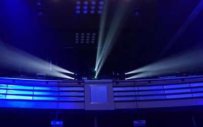 CREATIVE WAYS TO INCORPORATE VIDEO PROJECTION INTO YOUR EVENT